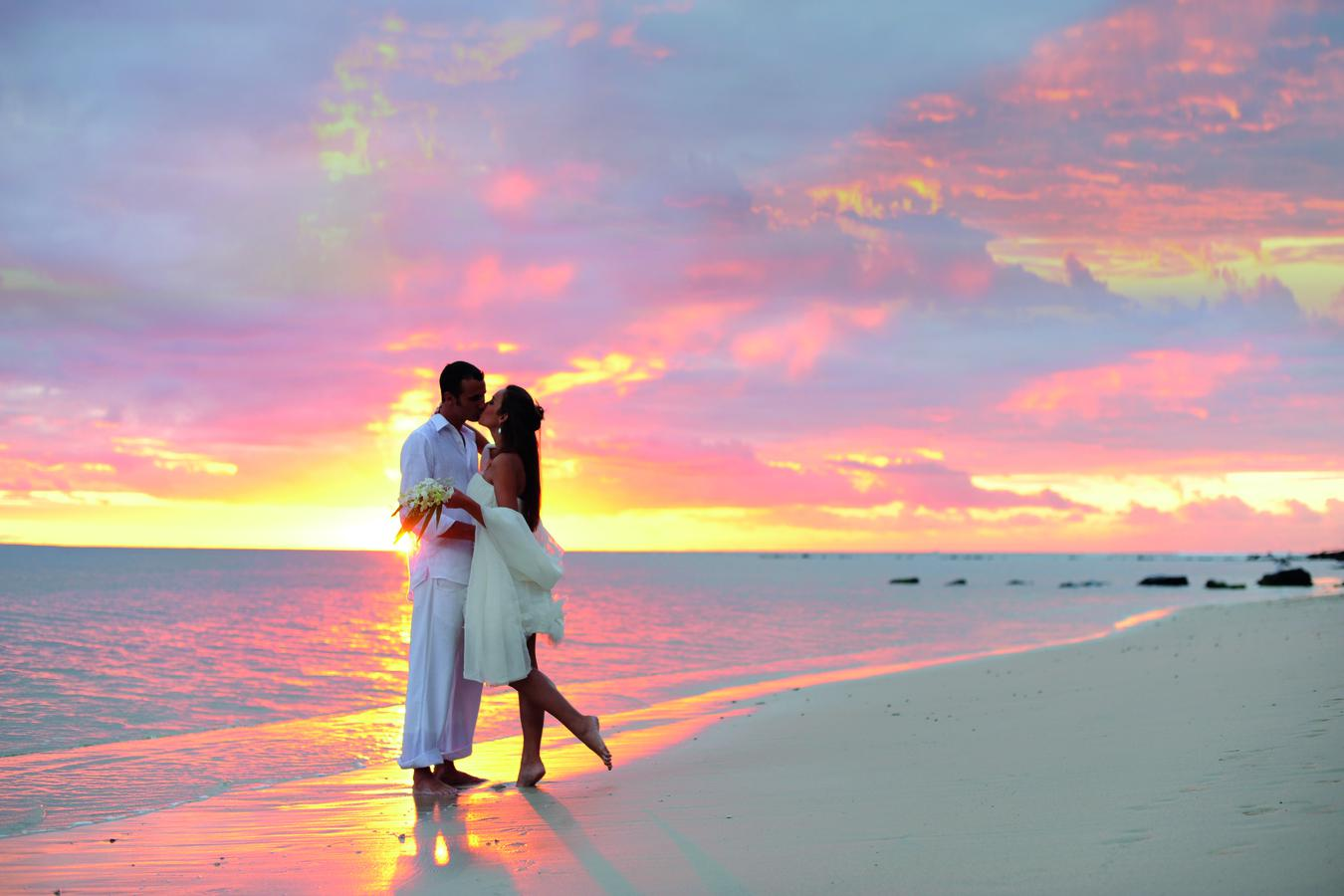 Идеи свадебных фото у моря
