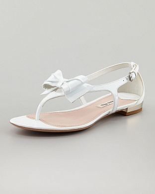 Miu Miu Patent Bow Thong Sandals, цена - $495