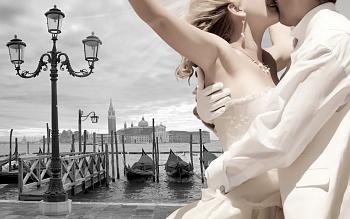 Символическая свадебная церемония в Венеции во дворце Абадесса
