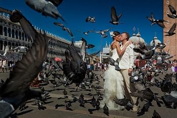 Символическая свадебная церемония в Венеции во дворце Бернарди