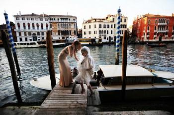 Символическая свадебная церемония в Венеции во дворце Кармини