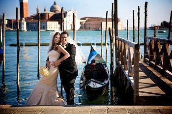 Символическая свадебная церемония в Венеции во дворце Контарини